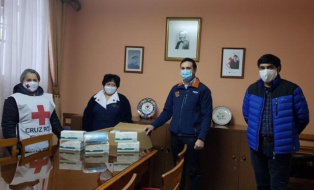 Trabajadores de EDELMAG junto a la empresa entregaron 1.500 mascarillas a la Cruz Roja.